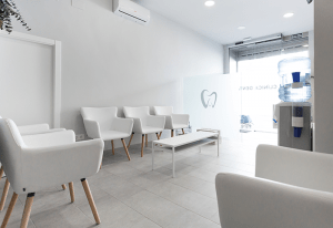 La Clínica clinica-dental-prieto03-300x206